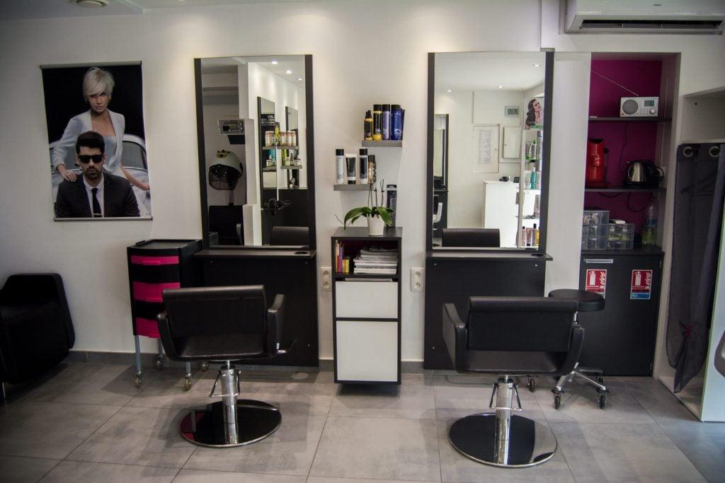 Salon de Coiffure et Domicile - ATTITUDE Michèle et Joël - Elne 66000 - Coiffage - Brushing - Confort.